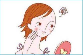女性脸上出现白癜风会有有哪些症状呢